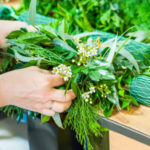 Making a foliage table garland