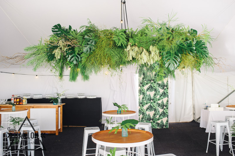 Foliage display within a jungle theme